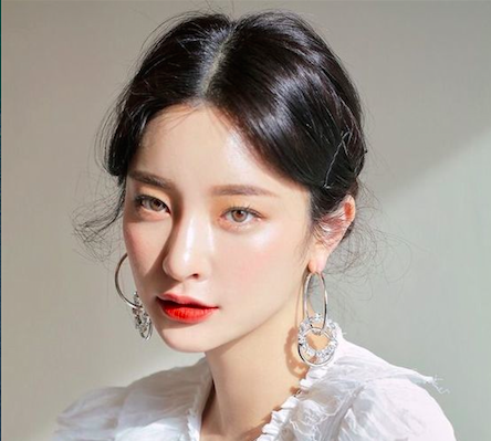 Glass Skin – The Latest Korean Beauty Trend Everyone Wants